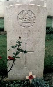 G L Allum headstone